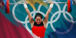 Philippines' Hidilyn Diaz wins silver medal in Rio Olympics